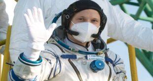 رائد فضاء روسي يصور فيديو لنجوم درب التبانة