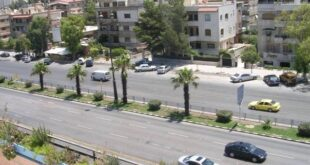 سيارة ترمي شاب على أوتوستراد المزة في دمشق.. هذا ما جرى