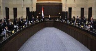 رئيس الحكومة يؤكد على عدالة توزيع المشتقات النفطية والكهرباء والإلتزام بأوقات التقنين