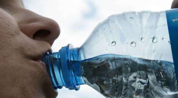 علامات تدل على حاجة الجسم للماء.. يجب أن تنتبه لها!