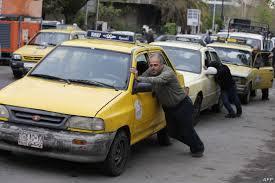 أزمة البنزين تضرب مجدداً … تخفيض حصة دمشق بنسبة 30 بالمئة وفي الريف 45 بالمئة