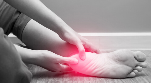 ما هي ابرز طرق علاج برودة القدمين في المنزل؟