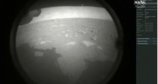 """""""ناسا"""" تحتفل بنجاح هبوط مركبة (برسيفيرانس) على المريخ.. شاهد أول صور الكوكب الأحمر"""
