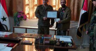 """قائدان عسكريان سوريان يحصلان على وسام """"الإخلاص"""" الروسي.. شاهد!"""