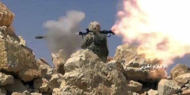 اشتباكات بالصواريخ والقذائف بين عائلتين في لبنان... فيديو