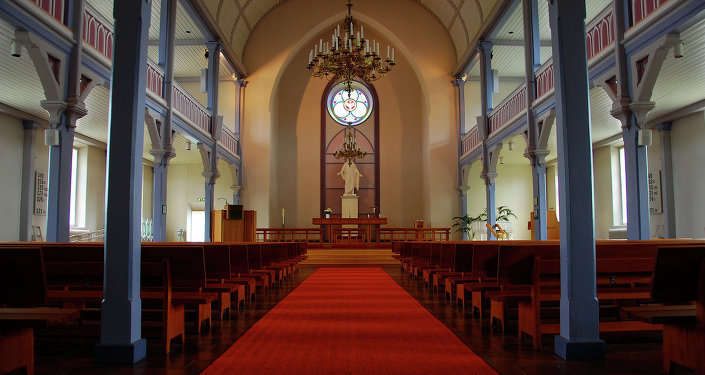 وفاة طفل أثناء التعميد في أحد الكنائس الرومانية يثير الجدل فيها