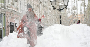 روسيا تسجل أكبر نسبة تساقط ثلوج في موسكو منذ 50 عاما... فيديو