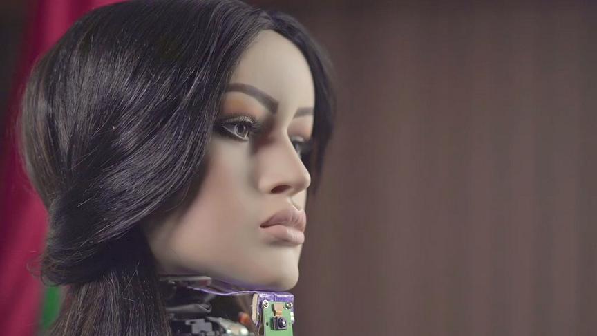 """""""شامة"""" أول امرأة روبوت عربية تتجه نحو العالمية"""