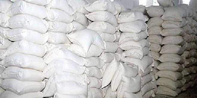العثور على 6 طن من مادة السكر داخل منزل مديرة إحدى صالات السورية للتجارة في حمص