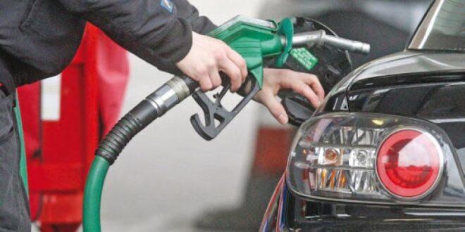 بشكل مفاجئ.. قرار بتخفيض مخصصات البنزين المدعوم للسيارات السياحية