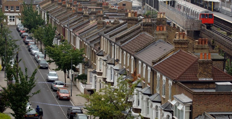 أضيق منزل في لندن يعرض للبيع بـ1.1 مليون يورو! بالكاد يمكن ملاحظة وجوده ..صور