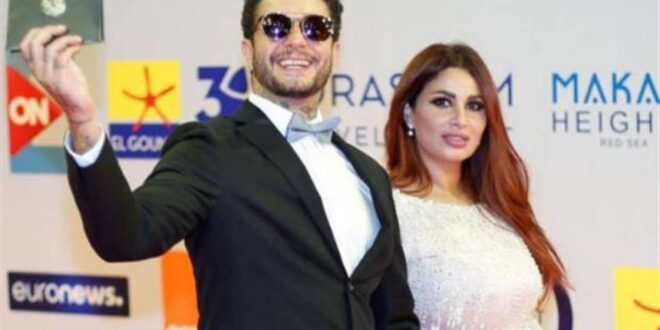 صور رومانسية لأحمد الفيشاوي وزوجته تُحدث ضجة