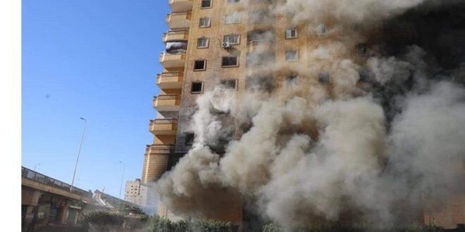 حريق بعقار في مصر مستمر منذ 6 أيام .. شاهد
