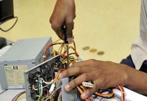 صيانة الأجهزة الكهربائية.. أسعار فلكية وقطع الغيار تسعّر لحظياً