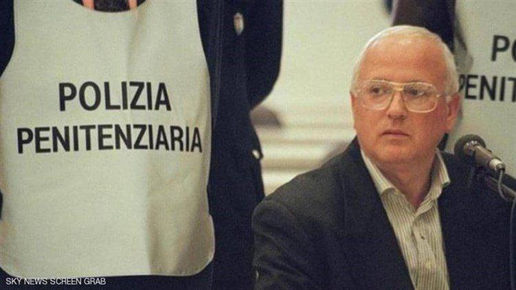 """وفاة البروفيسور"""".. أحد أهم زعماء مافيا إيطاليا"""
