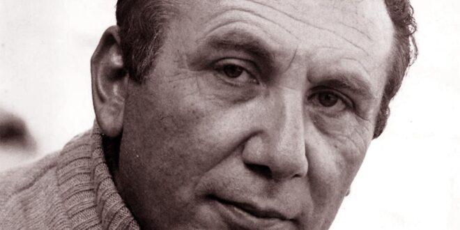 قصيدة نزار قباني المسروقة تثير ضجة كبرى في مصر
