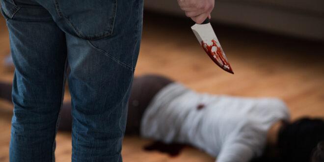 في السويداء.. رجل يقتل زوجته في ظروف غامضة والعثور على جثتي رجلين مقتولين في سيارة من نوع كيا