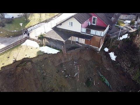 هبوط أرضي مخيف في ألمانيا