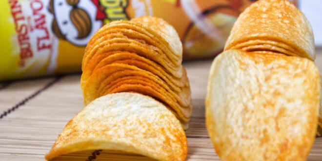 هل رقائق البرينجلز مصنوعة من البطاطا؟