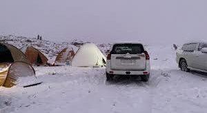 الثلوج تتساقط في السعودية.. شاهد!