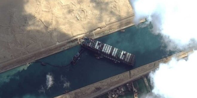 أزمة السفينة الجانحة في قناة السويس.. هل الحادث مدبر؟