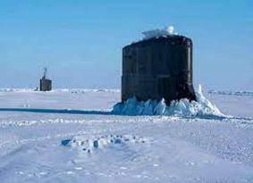 لأول مرة في التاريخ .. 3 غواصات نووية روسية تخرج من تحت جليد الشمال في وقت واحد