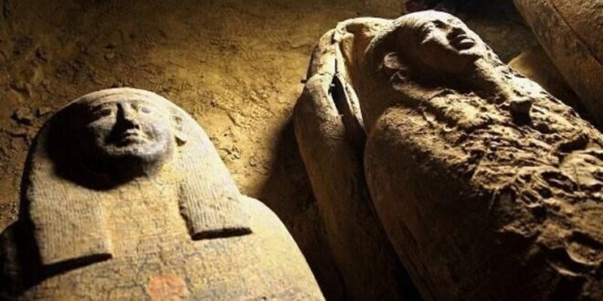وجه فرعون أخناتون المصري بعد ترميمه
