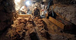 """خبراء آثار: """"لعنة الفراعنة"""" خرافة... وهذه أسباب الموت بعد فتح المقابر"""
