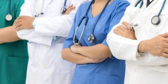 أطباء الرقة يحتجون على الفرز إلى دير الزور