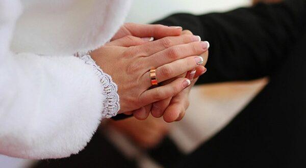 حملات على صفحات الفيسبوك لتشجيع الزواج