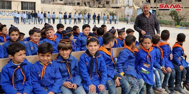 باع بيته ليعيد الحياة إلى مدرسة بلدته في الغوطة