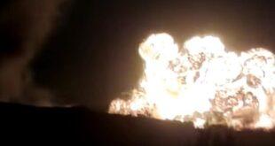 """صور بالأقمار الصناعية تظهر موقع استهداف """"حراقات البترول"""