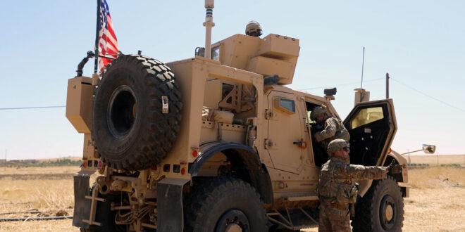 قوات أمريكية تتجول في قرية سورية بالحسكة مع تحليق للحوامات الأمريكية بالمنطقة