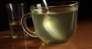 فوائد مدهشة للماء الدافئ مع العسل على معدة فارغة