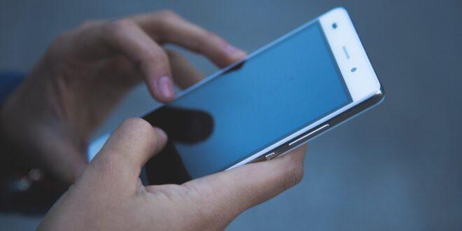 لا تشتر هاتف ذكي الآن!
