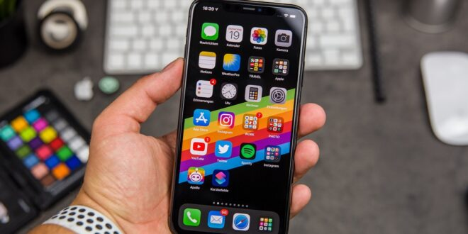 تنظيم التطبيقات في هاتف آيفون