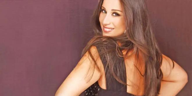 أثارت الفنانة اللبنانية كارين رزق الله ضجة واسعة وجدلًا كبيرًا خلال الساعات الماضية، وذلك على خلفية