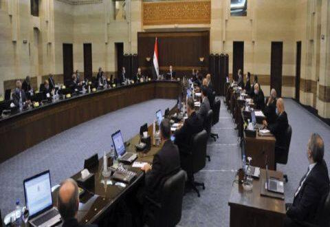 مظاهر الازدحام على محطات الوقود والأفران والصالات