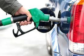 «محروقات» تنفي إلغاء اللون البنفسجي في البنزين وسائقون وأصحاب محطات الوقود يؤكدون