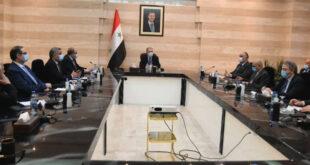 رئيس الحكومة يطالب بدعم الليرة السورية.. فارس الشهابي: سد الثغرات التي يتسرب منها الدولار