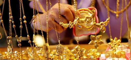 الذهب يواصل التراجع والغرام بـ160 ألف ل.س