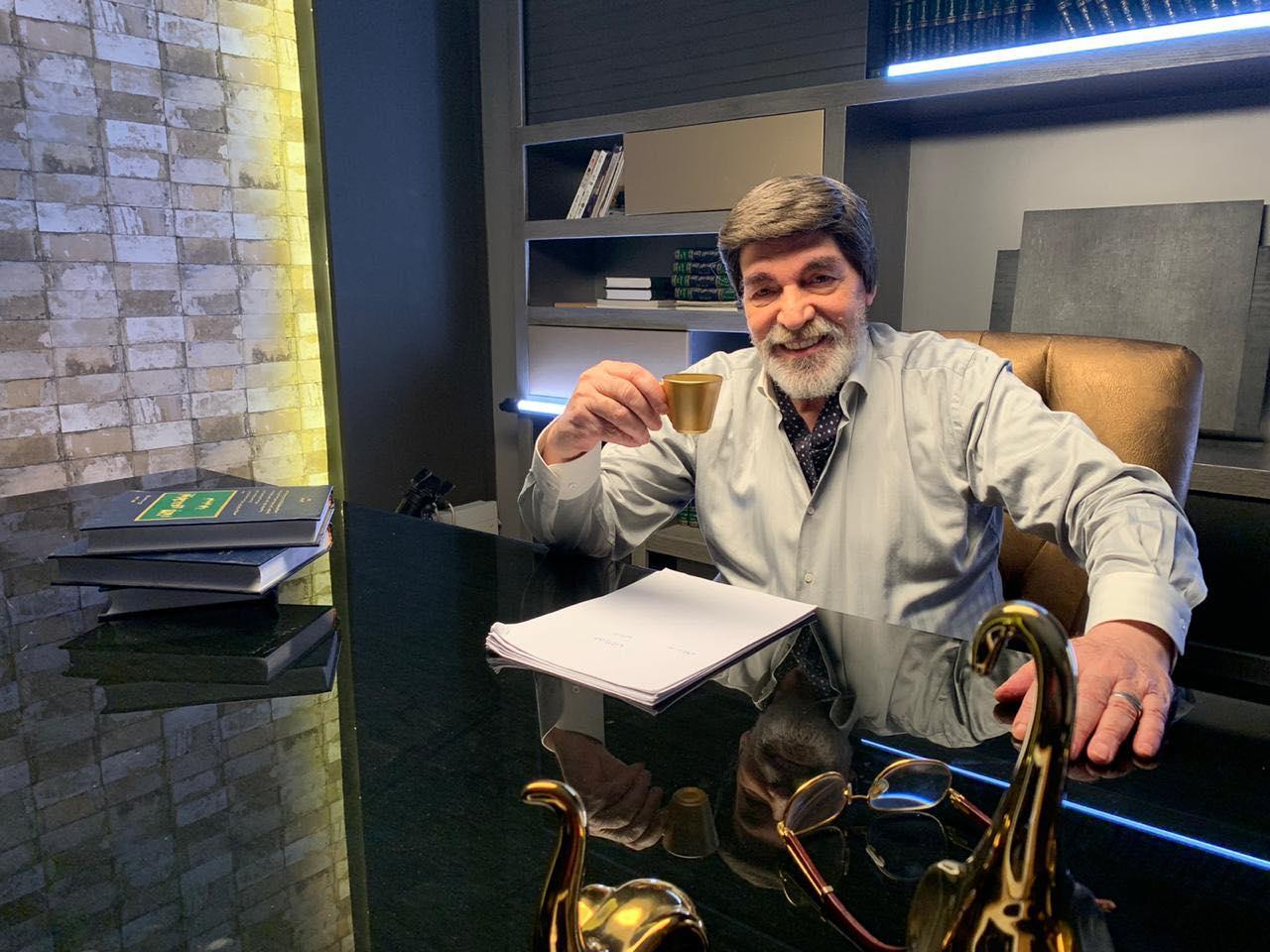 عوني الناكش الذي نشر صورته ياسر العظمة