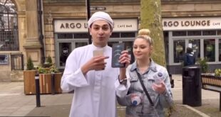 اكسر صيامك واربح آيفون.. شاب سوري يثير ضجة في شوارع لندن