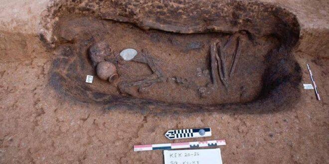 أثريون مصريون يعثرون على 110 مقابر تعود لعصر ما قبل الأسرات