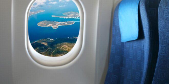 لهذا السبب الصادم يتم تصميم نوافذ الطائرات بشكل بيضوي