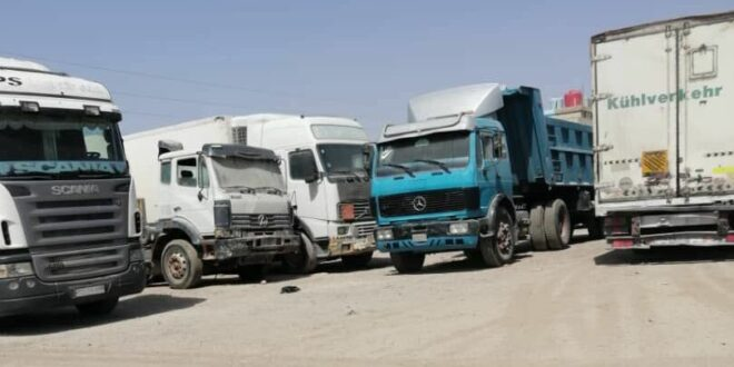 """الشاحنات السورية تعاني من """"جابر"""" الأردني وتتجه إلى العراق في طريقها للسعودية"""