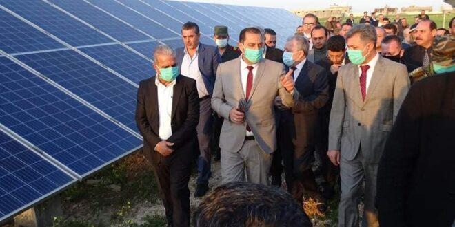 رئيس الحكومة يدعو المستثمرين لدخول قطاع الطاقة البديلة