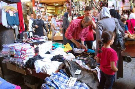 أسعار الملابس الصيفية هي الأغلى منذ ١٠ سنوات!