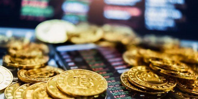 """بيتكوين"""" تهز عرش العملات الرقمية"""