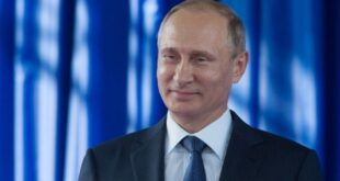 مصمم أزياء يتحدث عما يفضله بوتين في الموضة